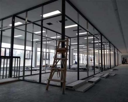 西芯大道某工厂办公玻璃隔断