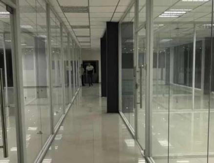 单层玻璃隔断安装