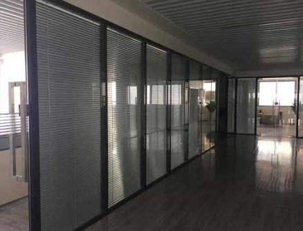 双玻百叶玻璃隔断墙厂家