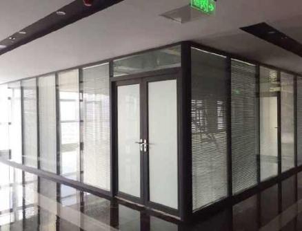 双玻玻璃隔断厂家