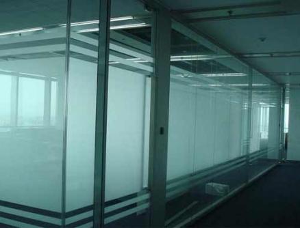 单层艺术砂条玻璃隔断